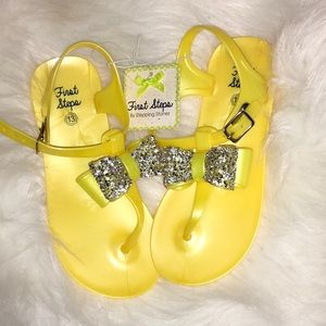 Other - Little Girls size 13 sandals with rhinestones